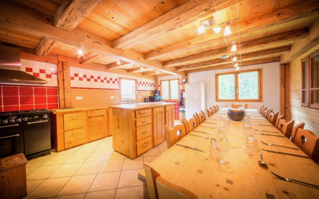 Chalet Atelier Kitchen Dining Area