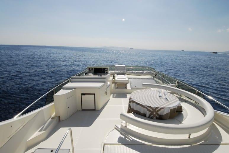 feretti-680-yacht-charter-croatia-sailing-holidays-croatia-booking-yacht-charter-croatia-catamarans-sailboats-motorboats-gulets-luxury-yachts-boat-rental-4