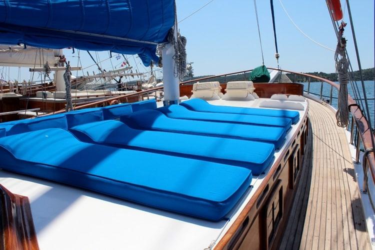 gardelin-yacht-charter-croatia-sailing-holidays-croatia-booking-yacht-charter-croatia-catamarans-sailboats-motorboats-gulets-luxury-yachts-boat-rental-18