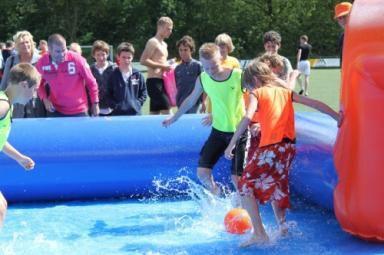 Watervoetbal (opblaasbaar)