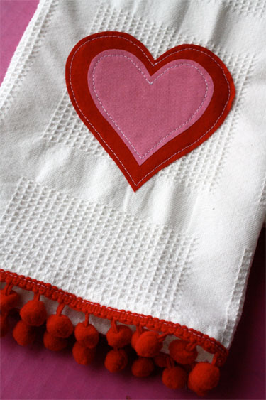 Simple Applique Towels For Valentines Day Skip To My Lou