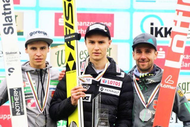 Podium klasyfikacji generalnej LPK (od lewej: T.Bartol, K.Murańka, P.Paschke), fot. Konstanze Schneider
