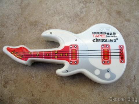Fita Corretiva de 6 metros por 5mm bonitinha estilo Guitarra (Cute Guitar Style 5mm 6-Meter Correction Tape (2-Pack))