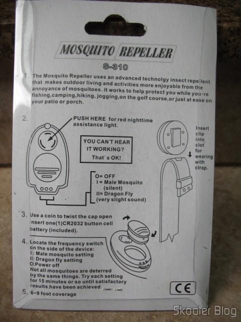 Instruções no verso da embalagem do repelente de mosquitos