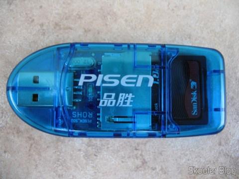 Leitor de Cartões SD da Pisen com cartão SD inserido