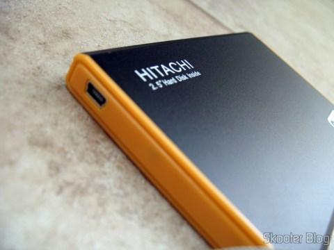 Lateral do case com HD Hitachi 320GB