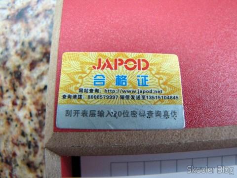 """O selo de autenticidade da Japod BL-4C com a """"raspadinha"""" do número de série"""