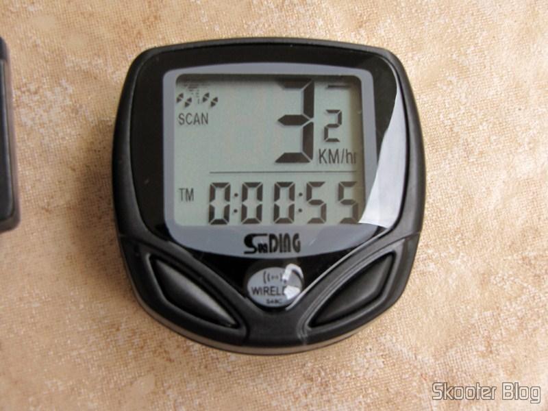 67cf99c79 DealExtreme: Velocímetro-Computador de Bicicleta Sem Fio com Display ...