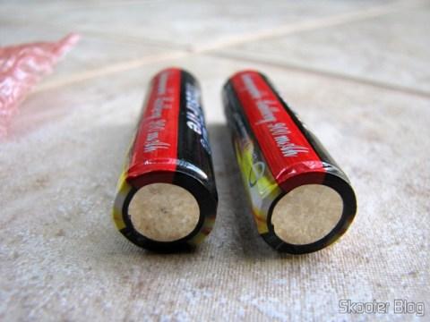 Polo negativo das baterias 14500 da TrustFire
