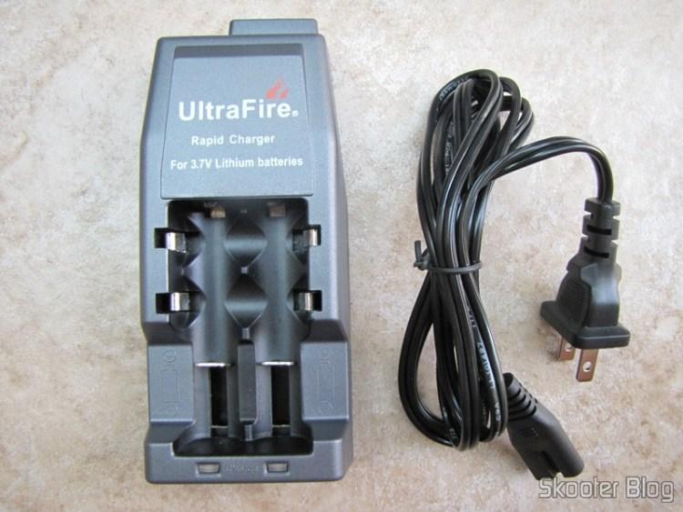 Carregador de baterias de lítio 3.7V UltraFire
