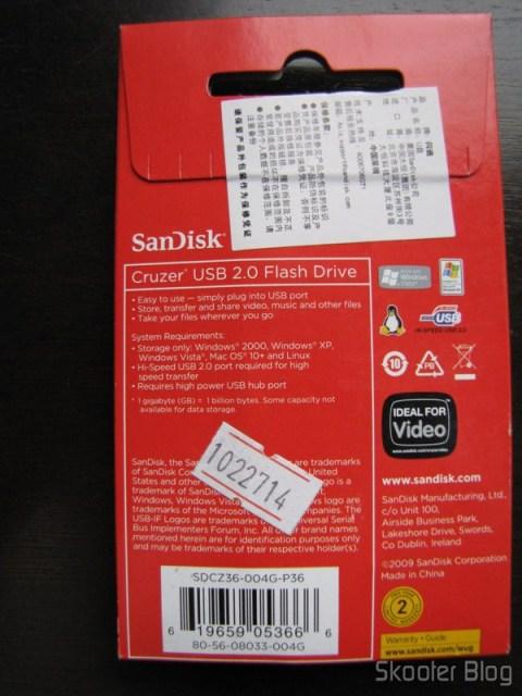 Parte traseira da embalagem do Pendrive Sandisk Cruzer USB 2.0 4GB