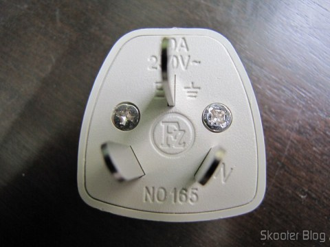 Adaptador de Energia com Plug Australiano e Tomada Universal
