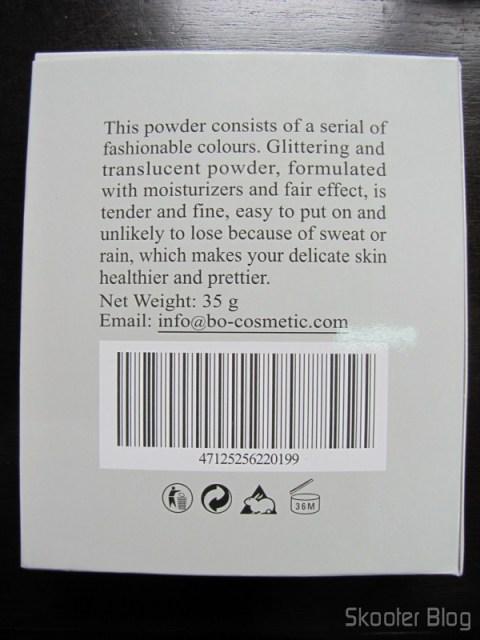 Parte traseira da caixa do kit de maquiagens