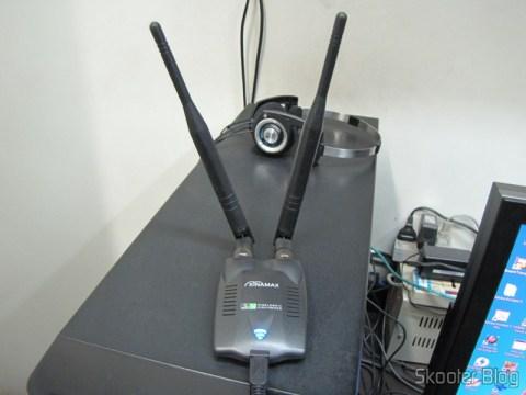 Dongle de Rede Sem Fio WiFi USB 2.0 300Mbps 802.11n/g/b de Alta Potência em funcionamento