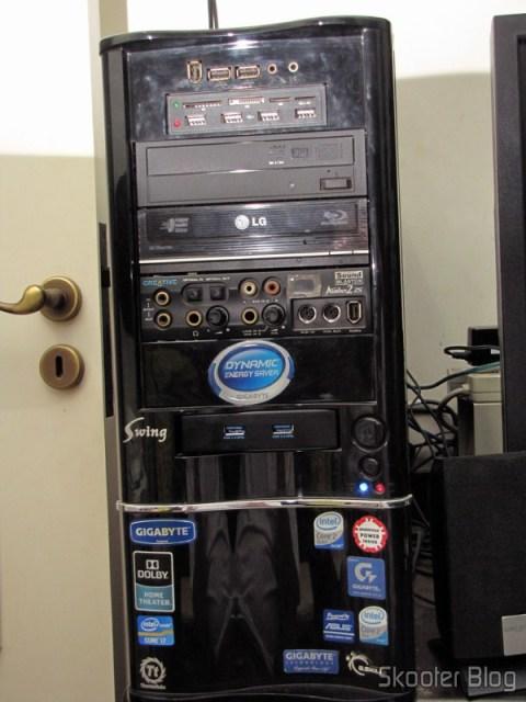 Gabinete com o Painel Frontal com 2 portas USB 3.0 instalado