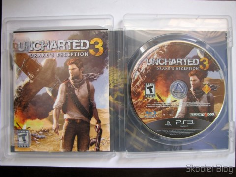 Manual e disco blu-ray do Uncharted 3: Drake's Deception (PS3)