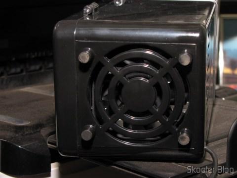 Parte inferior do Mini Geladeira e Aquecedor USB (USB Mini Cooling Fridge)