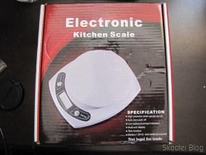 Balança de Cozinha de 7Kg com precisão de 1g (7kg x 1g Kitchen Helper Weighing Scale) em sua caixa
