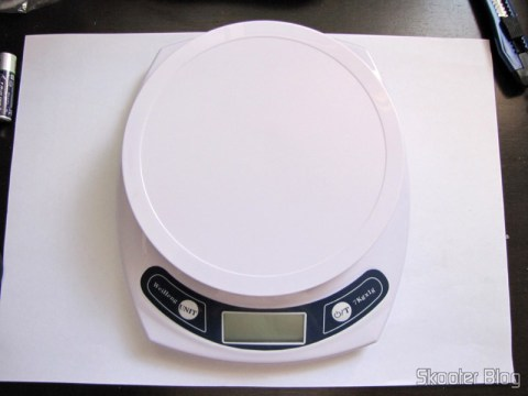 Kitchen Scales of 7lbs with accuracy of 1g (7kg x 1g Kitchen Helper Weighing Scale)