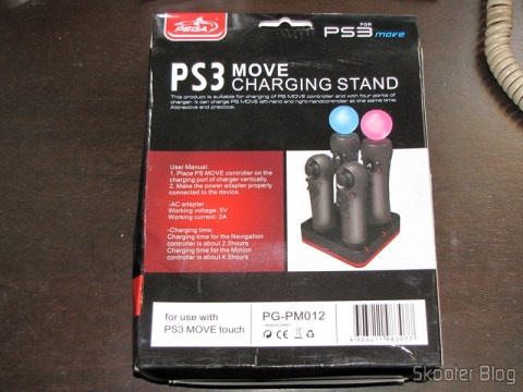 Estação de Recarga Quadrupla para Controles Playstation Move do Playstation 3 (Quadruple Port Charging Station for PlayStation 3 Move Controllers – Black) em sua caixa