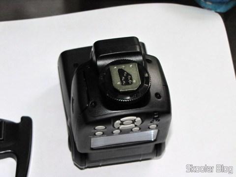 "Flash TTL YongNuo Speedlite YN565EX c/ LCD 2.0"" para Canon DSLR (YongNuo Y565EX 2.0"" LCD TTL Flash Speedlite Speedlight for Canon DSLR - Black (4 x AA))"