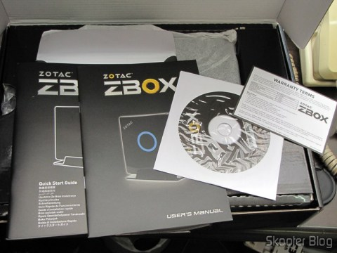 Manual e mídias do Zotac ZBOX ID83 Core i3-3120M 2.5GHz Intel HM76 DDR3 Wi-Fi A&V Gigabit Ethernet Mini PC Barebone System (ZBOX-ID83-U)
