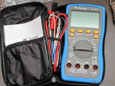 "Multímetro Digital Minipa ET-997 com LCD de 3.0"" (Tensão + Corrente + Resistência + Temperatura / 1*6F22) (ET-997 3.0"" LCD Handheld Digital Multimeter (Voltage + Current + Resistance + Temperature / 1*6F22)) em sua bolsa"