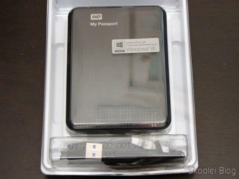 Unpacking the Hard Disk (HD) Externo Portátil WD My Passport 2TB USB 3.0 Preto (WD My Passport 2TB Portable External Hard Drive Storage USB 3.0 Black)