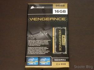 Memória de Laptop Corsair Vengeance 16GB (2x8GB) DDR3 1600MHz (Corsair Vengeance 16GB (2x8GB) DDR3 1600 MHz (PC3 12800) Laptop Memory (CMSX16GX3M2A1600C10)) em sua embalagem