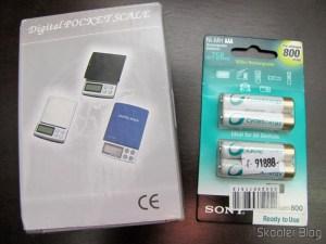 Balança de Precisão Digital de Bolso (Máximo 300g / Resolução 0.01g) e Pacote com 4 Pilhas Recarregáveis AAA Sony 1.2V 800mAh