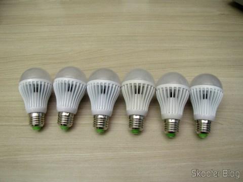 As 6 Lâmpadas LED 9W Luz Branca 7000K 1100 lumens E27 COB LED (110~220V) (E27 9W 1100lm 7000K White Light COB 1-LED Bulb – White (110~220V))