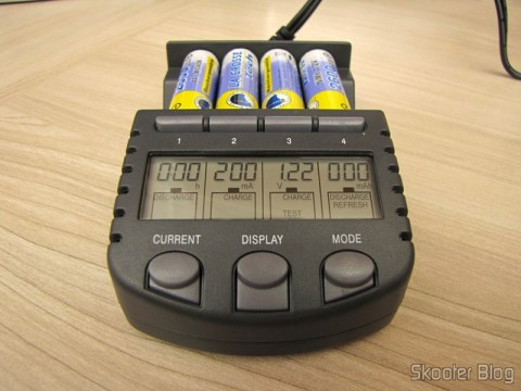 Battery Charger La Crosse Technoly BC1000 Alpha Power (La Crosse Technology Alpha Power Battery Charger, BC1000) operation, every cell in a different function