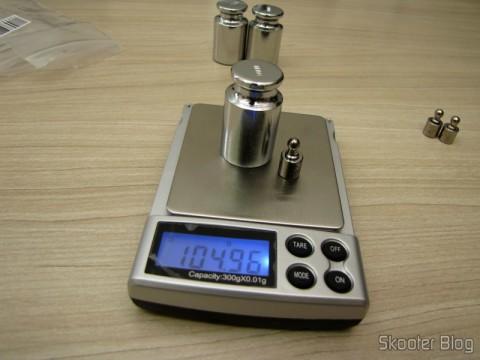Testing the balance with 1 Peso de 5 gramas para Calibragem de Balança de Precisão Digital (Professional Precision Digital Scale 5g Calibration Weight (5-gram)) and Weightde 10grams for Calibration Precision Digitalal (Digital Scale Calibration Weight (100 grams))