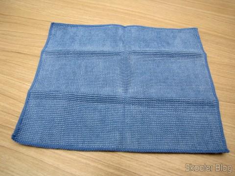 Fabric Cleaning Hi-Tech Gadgets for 3M Scotch Brite (3M Scotch Brite Hi-Tech Cleaning Cloth for Gadgets (Random Color))