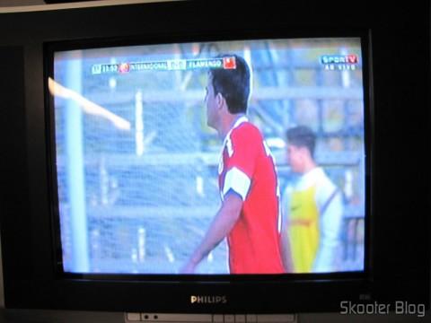 TV CRT exibindo a imagem de saída do Conversor de HDMI para Vídeo Composto (CVBS) + Áudio Estéreo (HDMI to CVBS Video Converter)