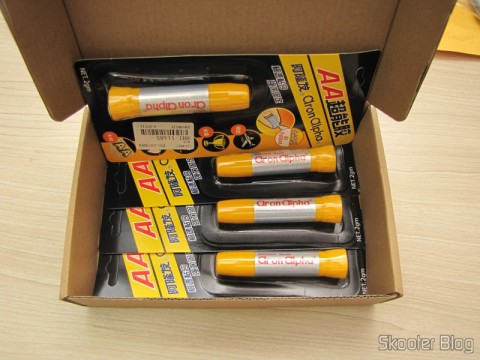 Box with 4 Tubes of Super Glue Aron Alpha Instantânea (Aron Alpha Instant Super Glue)