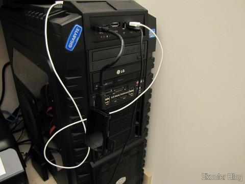 Leitor de Cartões SD, Micro SD / TF / MS / CF SSK SCRM059 USB 3.0 Alta Velocidade 5Gbps (SSK SCRM059 High Speed 5Gbps USB 3.0 SD, Micro SD / TF / MS / CF Card Reader - Black (64GB)), em funcionamento