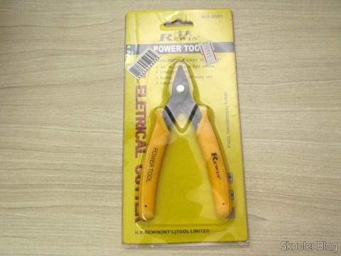 Cortador de Fios de 5″ Rewin (Rewin 5″ Electronic Wire Cutter – Yellow + Black), em sua embalagem