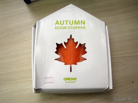 To-Door Style Maple Leaf Orange (Maple Leaf Style Door Stopper Guard – Orange), on its packaging