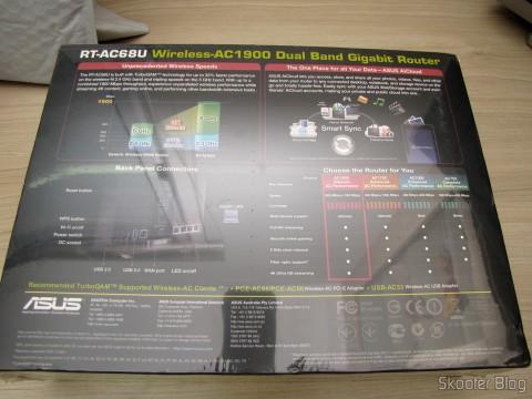 Roteador ASUS RT-AC68U Dual Band Gigabit Router 802.11ac Wireless-AC1900 em sua embalagem