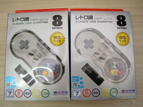 Gamepads de Super Nintendo (SNES) para PC Buffalo (Super Nintendo Famicom SNES Gamepad for PC (PC) (BUFFALO)) em suas respectivas embalagens