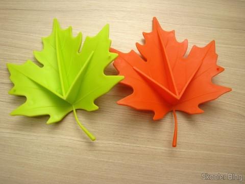 To-Door Style Orange Maple Leaf (Maple Leaf Style Door Stopper Guard - Orange) and To-Door Style Maple Leaf Green (YSDX-382 Maple Leaf Style EVA Door Stopper - Green)