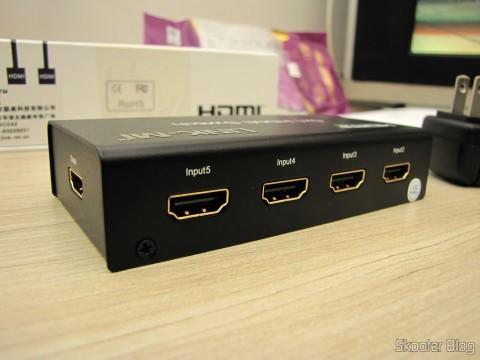 Rear of HDMI Switch w / Remote Control LINK-MI LM-SW04 1080p 3D 5 inputs p / 1 output (LINK-MI LM-SW04 1080p 3D 5 in 1 out HDMI Switch w/ Remote Control - Black)