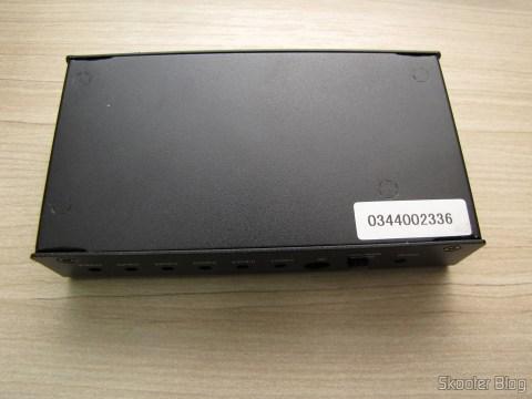 Parte Inferior do Switch HDMI c/ Controle Remoto LINK-MI LM-SW04 1080p 3D 5 entradas p/ 1 saída (LINK-MI LM-SW04 1080P 3D 5 in 1 out HDMI Switch w/ Remote Control - Black)