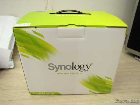 Synology America DiskStation 2-Bay Diskless Network Attached Storage (DS214play), em sua embalagem