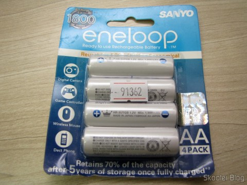 Pack of 4 Rechargeable AA NiMH 1.2V 1900mAh Sanyo Eneloop Warm missing