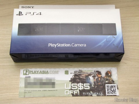 Camera Playstation 4 (Playstation 4 Camera) on its packaging and gift certificate of $ 5,00 - brinde da Play-Asia