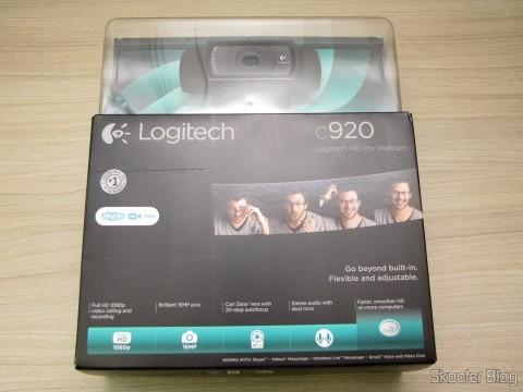 Logitech HD Pro Webcam C920, 1080p Widescreen Video Calling and Recording, em sua embalagem