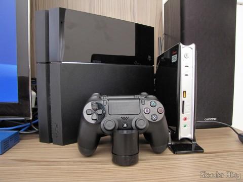 Official Dualshock 4 Charging Station (PS4) (SONY), em funcionamento