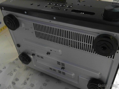 Photos of Yamaha RX-V675 do 7.2 Channel Network AV Receiver with Airplay, sent by Shipito